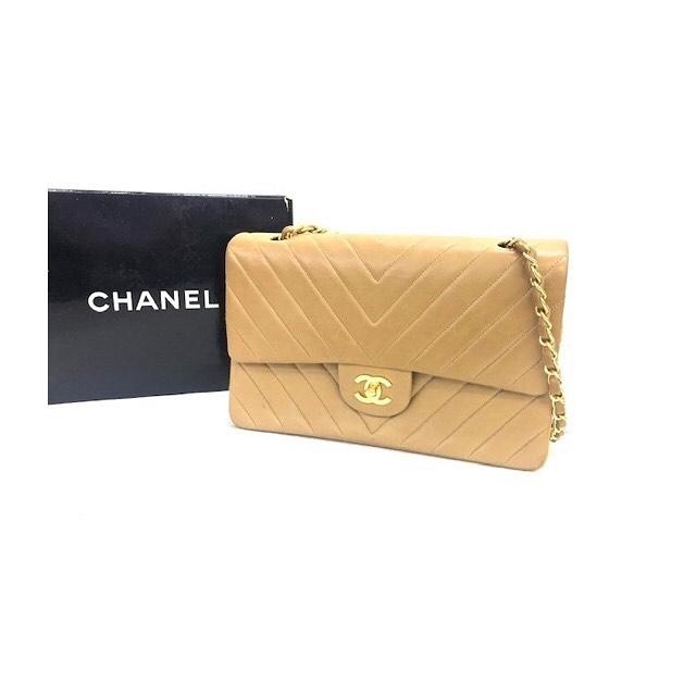 高級感溢れる女性の憧れ シャネルのバッグです!!! . 買取や捨てる前に一度、 オークション代行 はぴオクへお任せ下さい  #ブランド  #埼玉  #出品