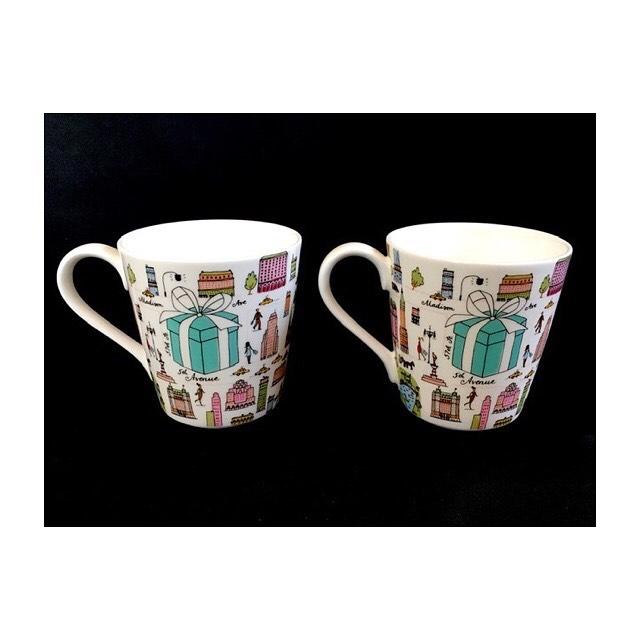 . 先日、出品したばかりの ティファニーのペアカップ とっても可愛くておすすめです️ . クリスマスプレゼントにも ぴったりですね( ◠‿◠ )♪ . #はっぴーオークション  #出品代行  #埼玉  #深谷