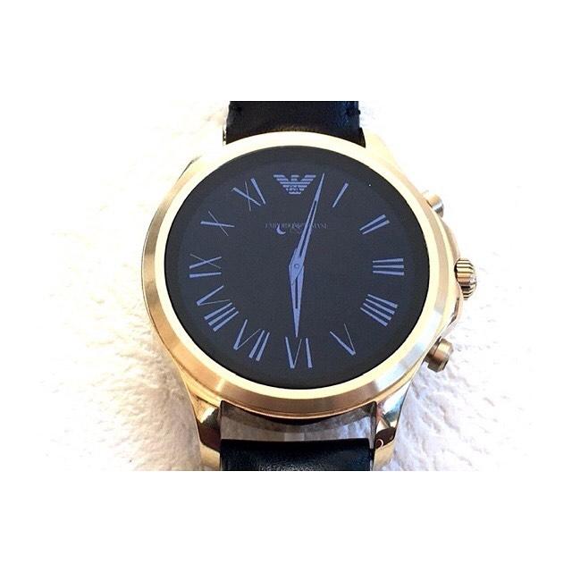 先日、お持ち込み頂いた アルマーニの腕時計を 出品致しました . タッチスクリーン スマートウォッチです️ . とっても高級感がありますね . #オークション代行  #はぴオク  #埼玉