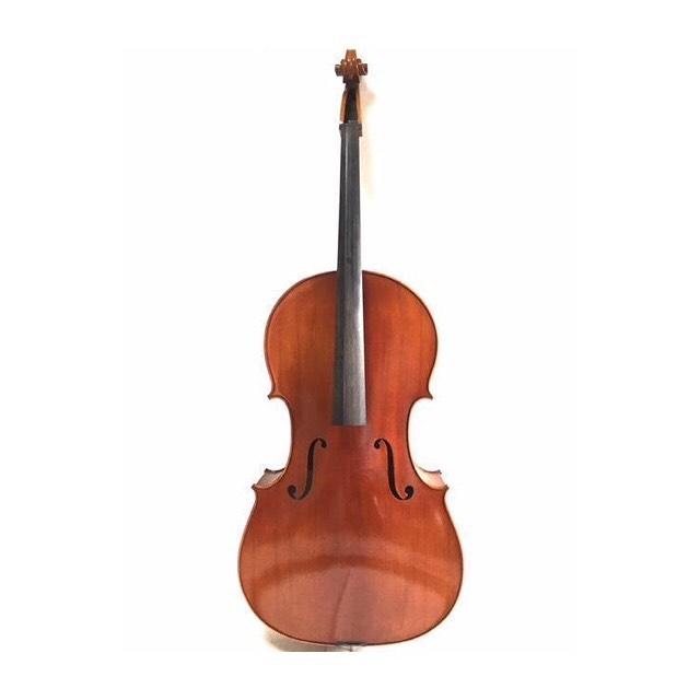 . お久しぶりの更新となってしまいましたが  今日も元気に営業中です😇 . 先日、チェロを出品致しました! 買取で安くなってしまう楽器など オークションに出してみませんか️️ . #埼玉  #深谷  #オークション