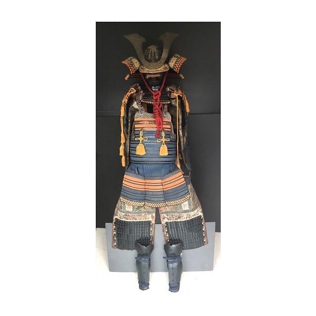 こんにちは、はぴオクです🌦 . 今回紹介するものは、 先日お預かりした 等身大の甲冑一式になります。  . コレクターの方、和室・会社・ 店舗・ホテルロビー等の飾り物と していかがでしょうか?  . #はぴオク  #オークション代行  #埼玉  #深谷