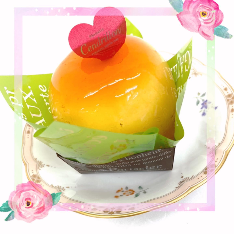 本日のおやつ  桃太郎〜〜モモォ(「・ω・)「  サンドリヨンさんありがとう… とっても美味しいです🥰  毎日食べたい( º﹃º )